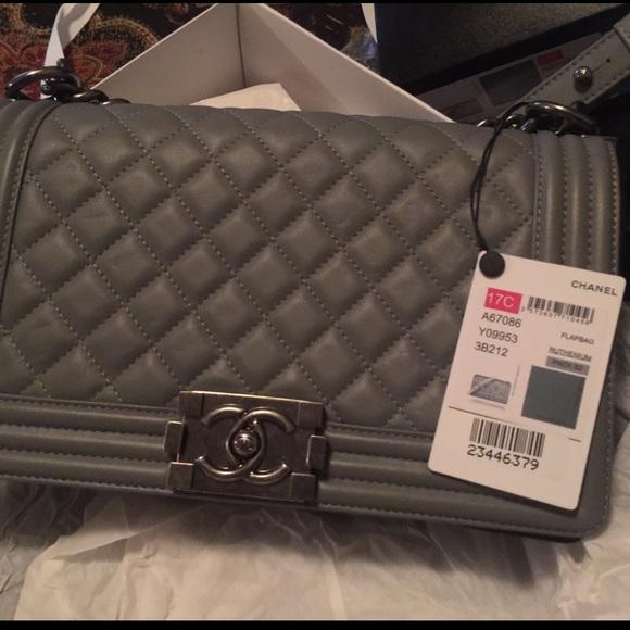 CHANEL Handbags - Chanel ❤️❤️